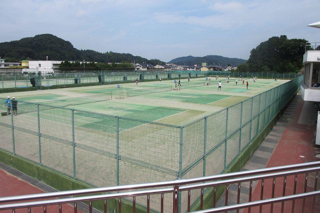 平テニスコート人工芝補修工事